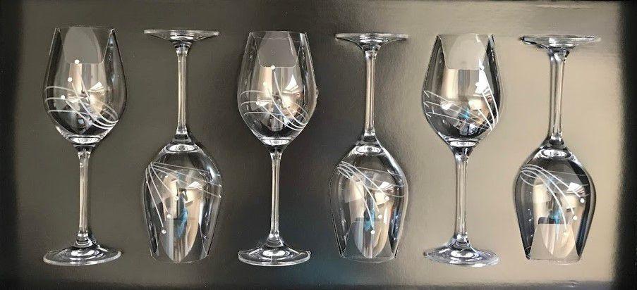 Swarovski kristállyal díszitett boros poharak 360ml 6db